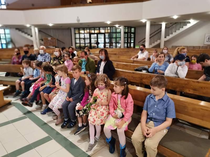 deti EMŠ v kostole
